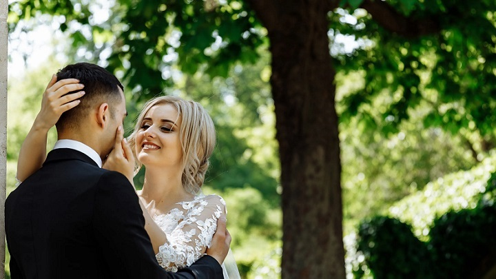 pareja-en-boda