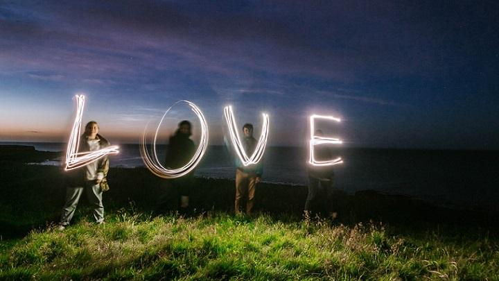 letras-formando-la-palabra-amor