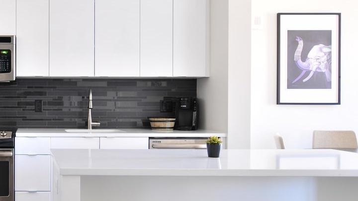 decoracion-de-cocina-en-negro-y-blanco