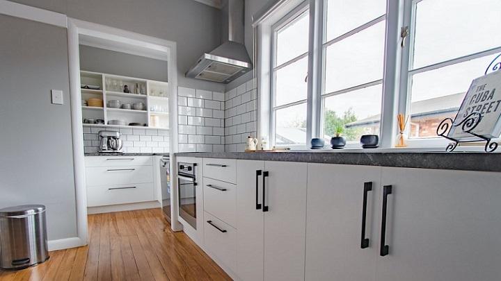 cocina-sin-muebles-superiores