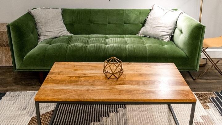 sofa-de-terciopelo-de-color-verde
