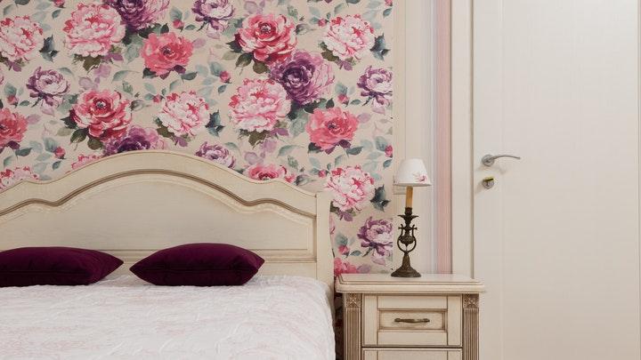 pared-de-flores-en-el-dormitorio