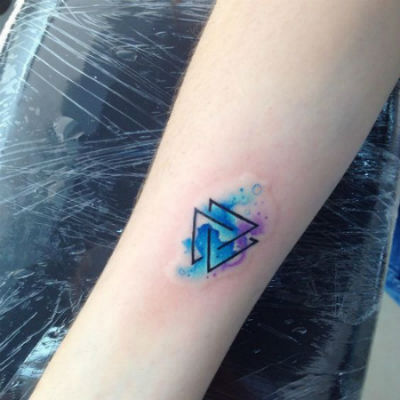 tattoos pequenos triangulos