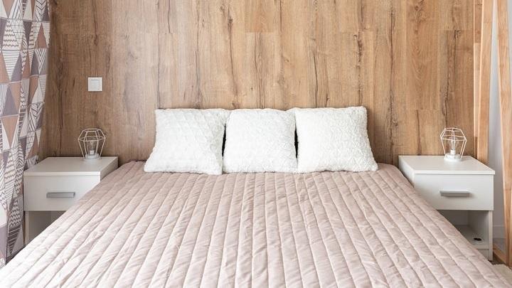 madera-clara-en-el-dormitorio